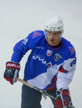 Сегодня в Волжске скрестят клюшки хоккеисты «Ариады» и «Южного Урала»