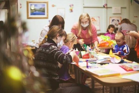 Для творческих занятий с детьми в отделении онкогематологии  не хватает канцтоваров