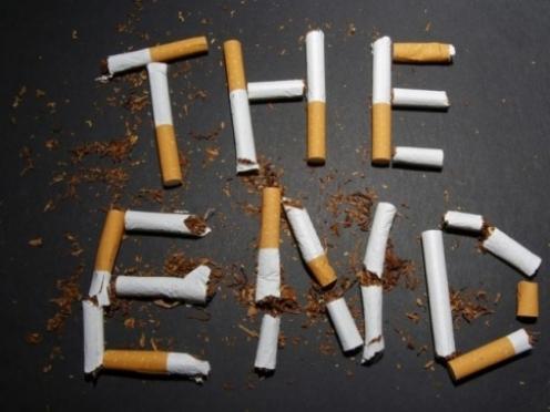 Курильщиков продолжают вытеснять из общественных мест