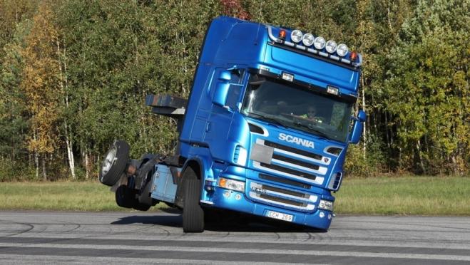 В Марий Эл в грузовик Scania врезался прицеп, оторвавшийся у встречного большегруза