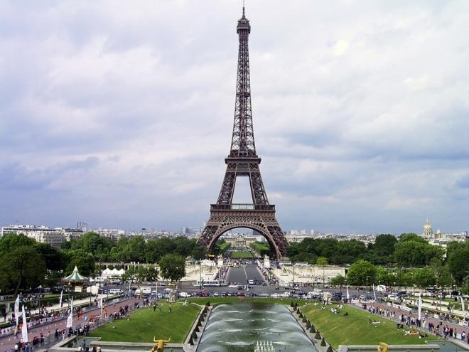 Французский парламент выступает за отмену санкций в отношении России