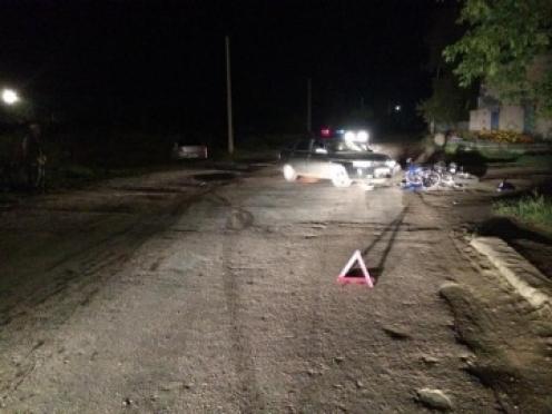 В Волжском районе водитель автомобиля и мотоциклист не поделили дорогу