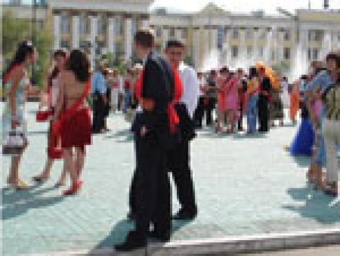 Шестёрка лучших школьников Марий Эл едет на Всероссийский театрализованный бал «Выпускник-2007»