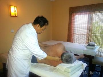 Доктор Чжао проводит лечение