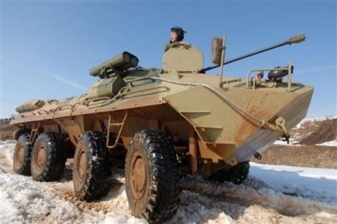 Студентов военных кафедр научат метать гранаты и водить бронетехнику