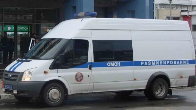 Подозрительный предмет, оставленный в отделении банка, стал поводом для вызова ОМОНа