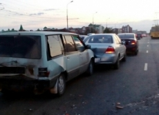 Четыре автомобиля столкнулись накануне на Царьградском проспекте