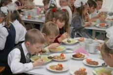 Городские школьники предпочитают питаться дома