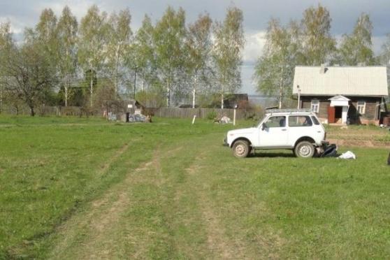 В Козьмодемьянске «Нива» наехала на коляску с детьми