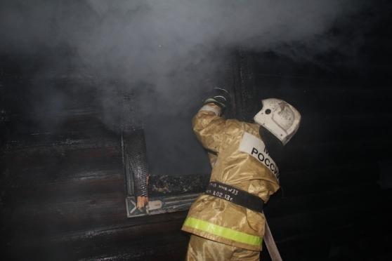 В поселке Октябрьский на пожаре погиб молодой мужчина
