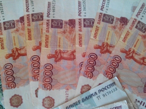 Сотрудница центра занятости заработала полмиллиона рублей на лже-безработных