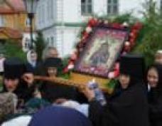 «Мироносицкая» икона Божьей Матери покидает предел Ежовского женского монастыря (Марий Эл)