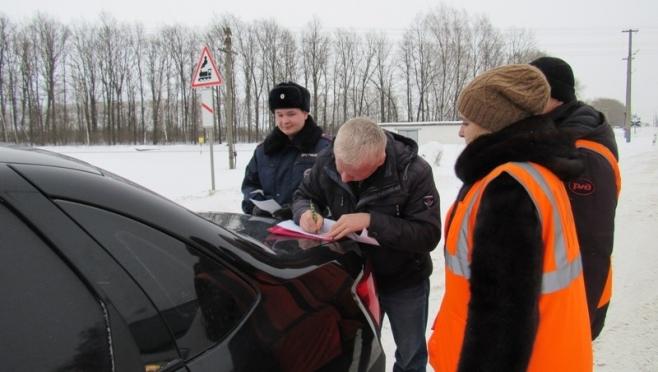Сотрудники Госавтоинспекции и железнодорожники провели совместные рейды на переездах.