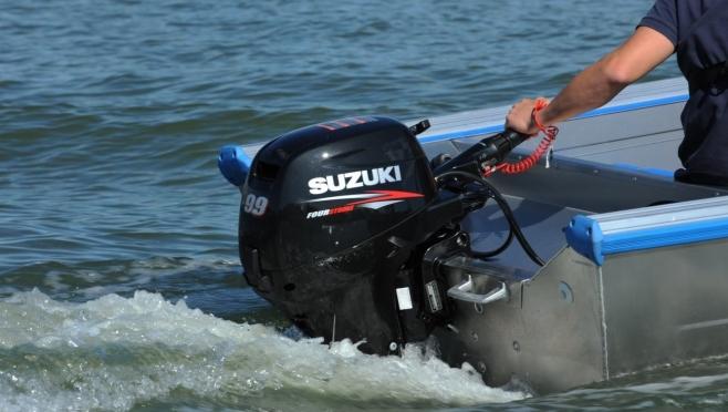Житель Звенигово лишился 150 тысяч рублей, заказав лодочный мотор через Интернет