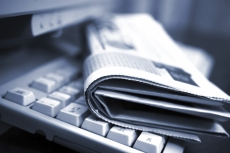 Журналисты принимают поздравления с профессиональным праздником
