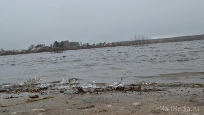 После похолодания на малых реках наблюдается понижение уровня воды