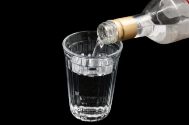 Йошкаролинец попытался украсть восемь бутылок водки на свадьбу