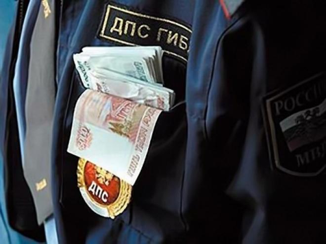 В МВД по Марий Эл уволено сразу 17 сотрудников ГИБДД, бравших взятки на посту «Уржумка»