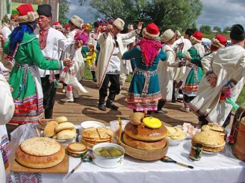 Марийские свадебные обряды показывают сегодня в Моркинском районе