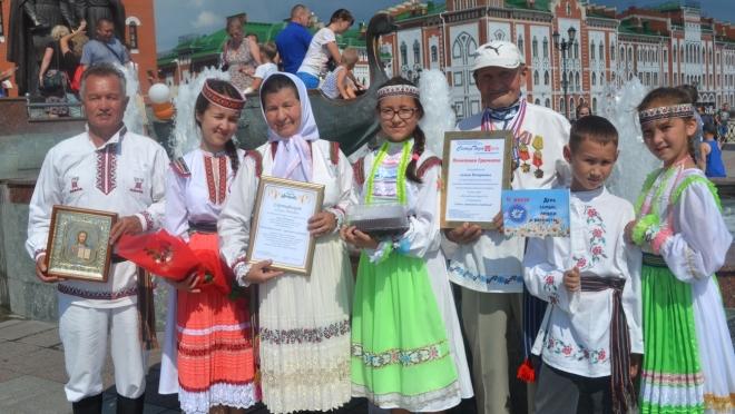 Семья из Марий Эл вошла в число победителей Всероссийского конкурса «Семья года»