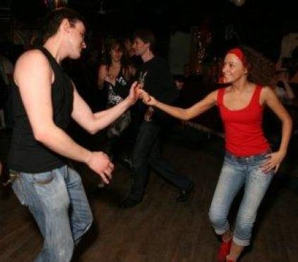 Йошкаролинцев научат танцевать сальсу