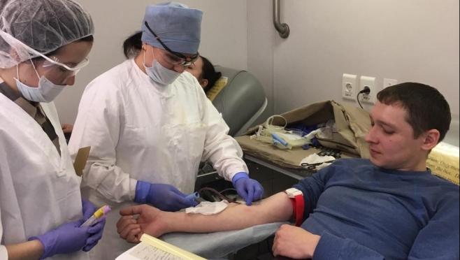 Работники ЗПП сдали 23 литра крови