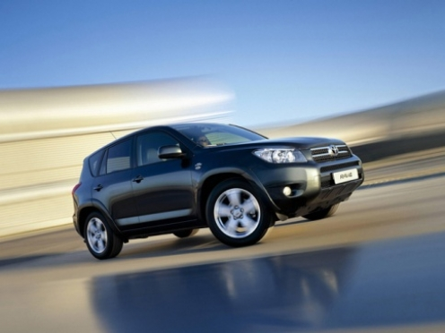 В Йошкар-Оле со стоянки службы судебных приставов угнали Toyota Rav-4