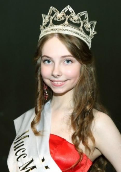 devushki-mariy-el-golie-foto