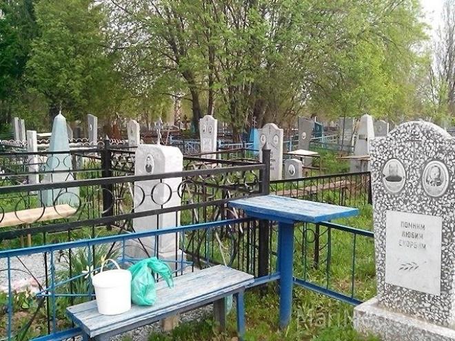 В Троицкую родительскую субботу на пригородные кладбища пустят  автобусы