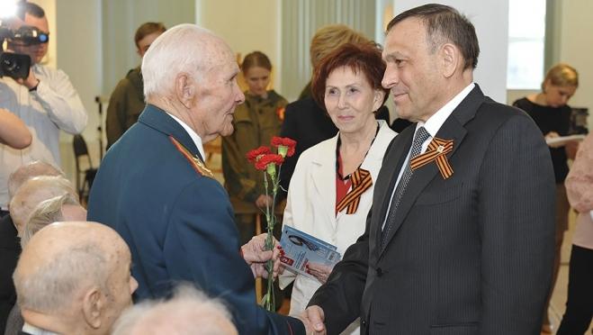 Накануне Дня Победы Глава Марий Эл встретился с ветеранами и молодёжью