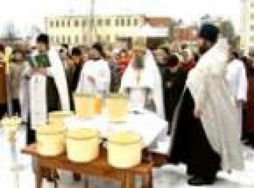 В храмах Марий Эл освятили сочельническую воду
