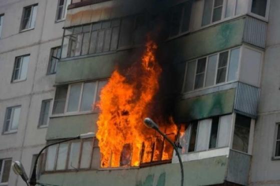 Ребенок устроил пожар в многоквартирном жилом доме