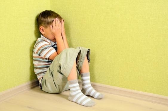 Женщину за избиение семилетнего сына будут судить