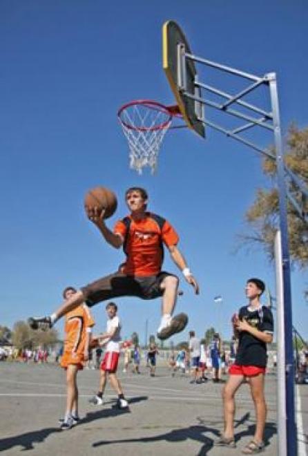 Полторы тысячи жителей Марий Эл возьмут в руки оранжевый мяч