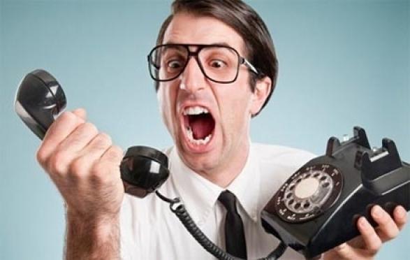 Коллекторов и спамеров за ночные звонки, письма и СМС россиянам будут останавливать штрафами