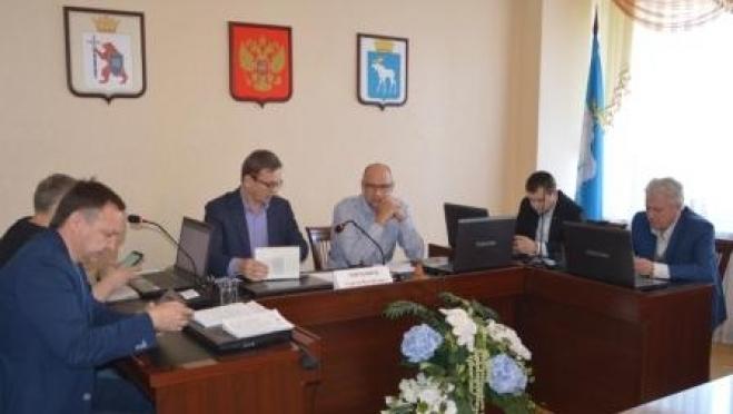 Депутатам Горсобрания рассказали, как формируются цены на электроэнергию