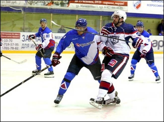 Хоккеисты из Волжска начали домашнюю серию с победы по буллитам