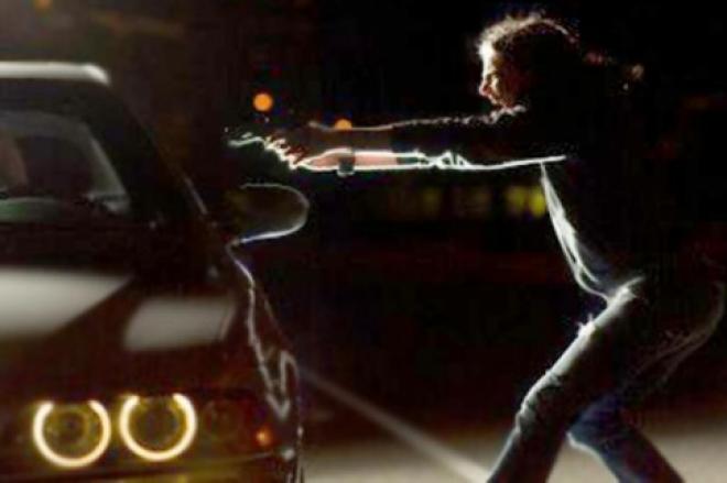 За разбойное нападение на водителя иномарки молодые люди проведут на зоне около 7 лет