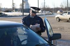 Сумма штрафов, выписанная сотрудниками ГИБДД за семь месяцев года, превысила 100,6 млн рублей