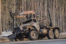 Лесовоз с бревнами загорелся на Кокшайском тракте