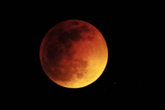 Полное лунное затмение жители Марий Эл смогут увидеть лишь в интернете