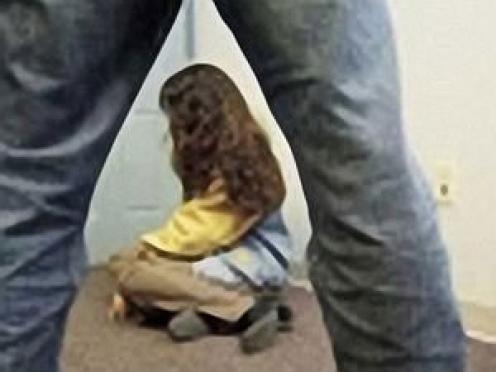 В Марий Эл 40-летний мужчина несколько месяцев истязал 13-летнюю падчерицу