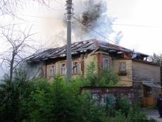 На ночном пожаре в Йошкар-Оле пострадала пожилая женщина