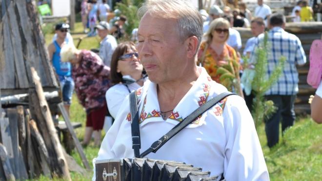 Известный горномарийский гармонист удостоен государственной награды