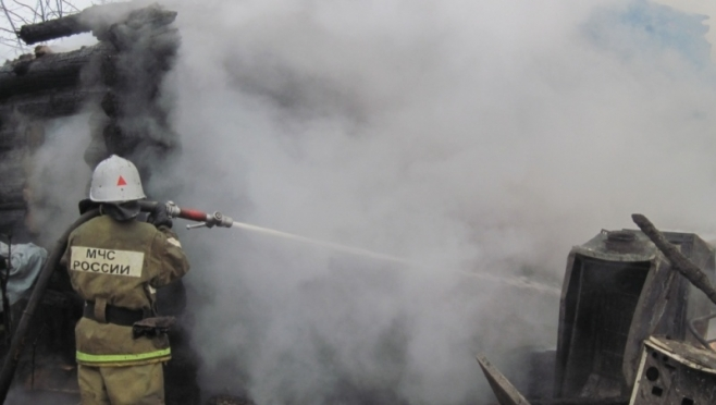В Якимово сгорел жилой дом