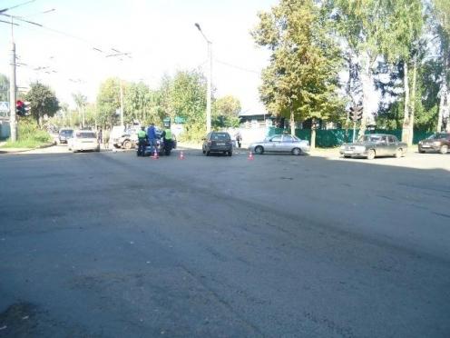 В Йошкар-Оле 84-летний водитель перевернулся на «Ниве»