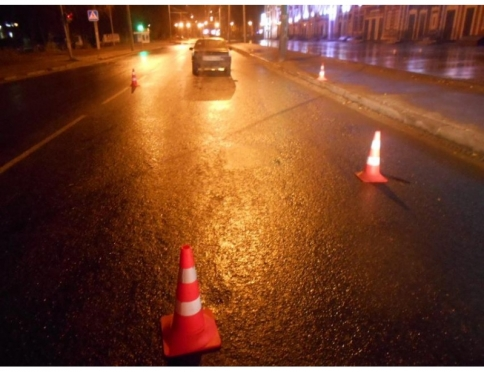 Ночью в Йошкар-Оле машина сбила молодую женщину-пешехода