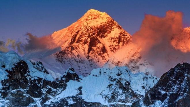 Горные вершины Гималаев и Тибета в Йошкар-Оле