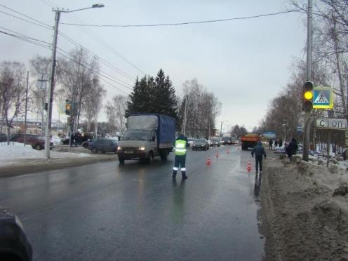 В Йошкар-Оле на пешеходном переходе «КамАЗ» сбил 17-летнего студента