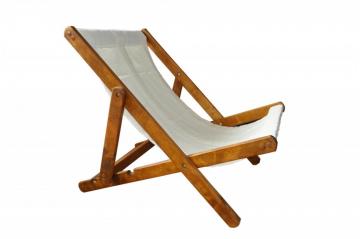 Лето прошло, но можно использовать такой удобный стульчик на даче или в бане